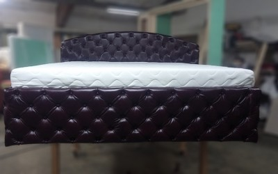 POSTEĽ CHESTERFIELD