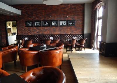 kreslo-luxusne-sedacka-hotel-pod-zamkom-kozena-chesterfield-13