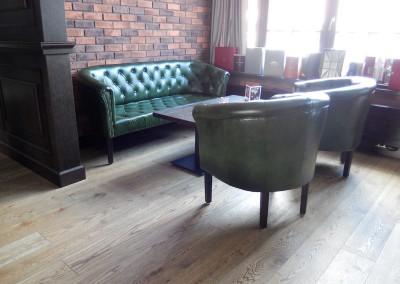 kreslo-luxusne-sedacka-hotel-pod-zamkom-kozena-chesterfield-16