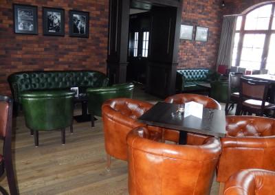 kreslo-luxusne-sedacka-hotel-pod-zamkom-kozena-chesterfield-17