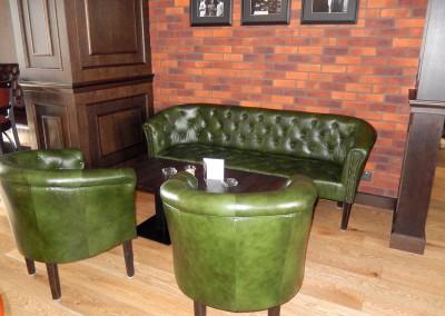 kreslo-luxusne-sedacka-hotel-pod-zamkom-kozena-chesterfield-5