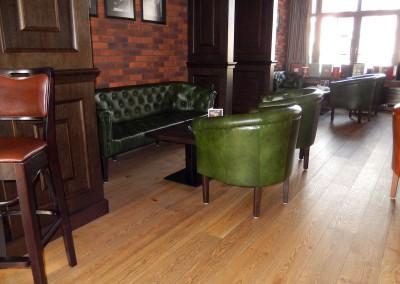 kreslo-luxusne-sedacka-hotel-pod-zamkom-kozena-chesterfield-8